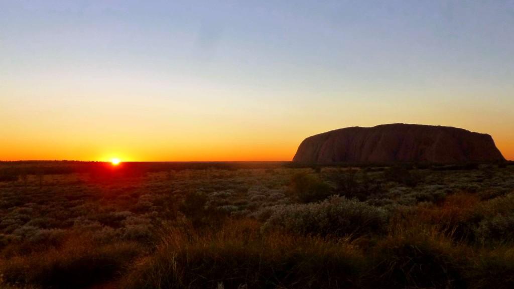 Uluru-sunrise-Australia