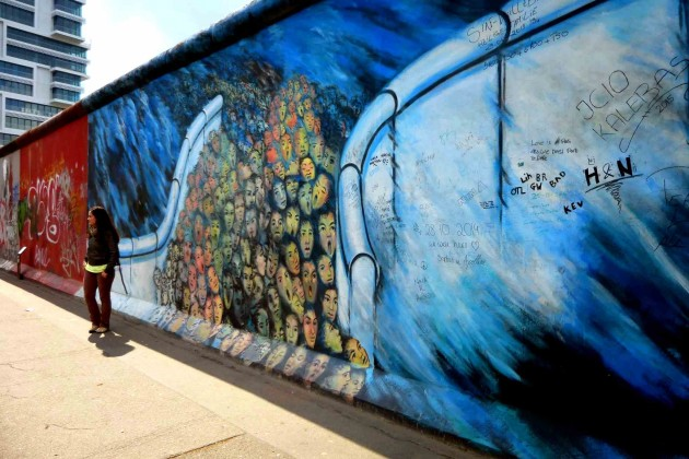 Mur deBerlin street art