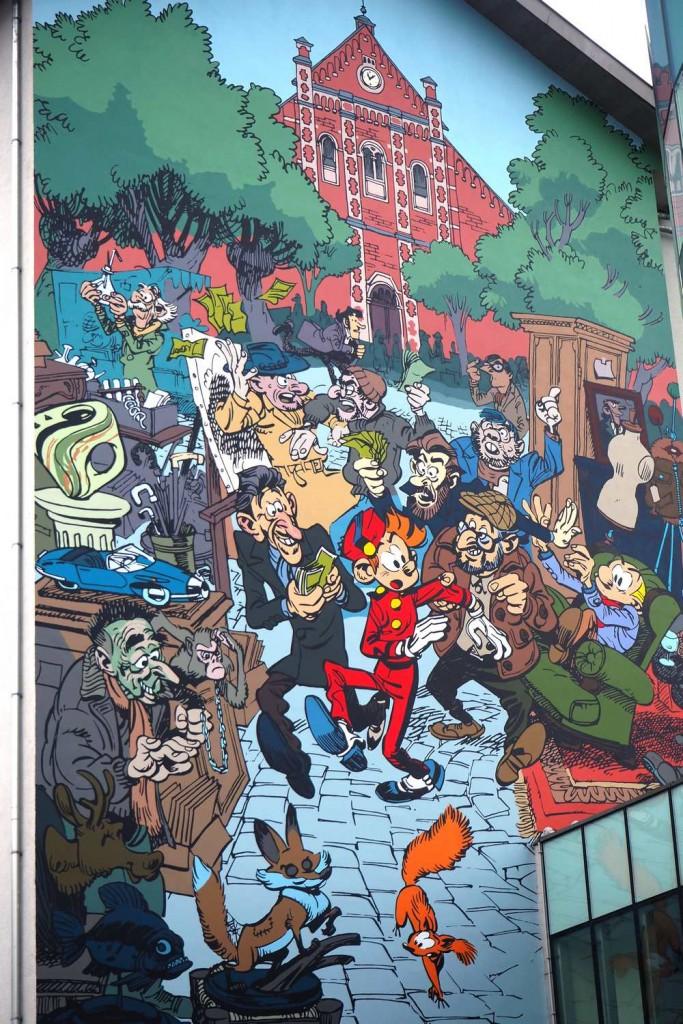 Fresque BD dans les Marolles