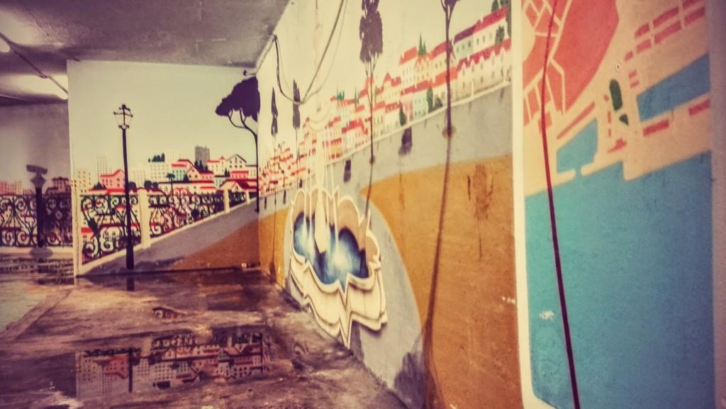 Passage souterrain dans les docks à Lisbonne