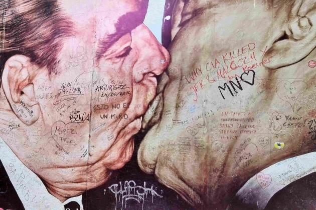 Le baiser de l'amitié - Mur de Berlin