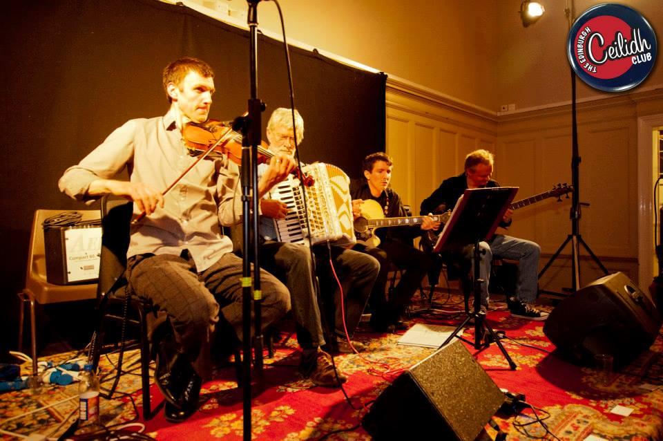 Le groupe du Ceilidh Club à Edimbourg