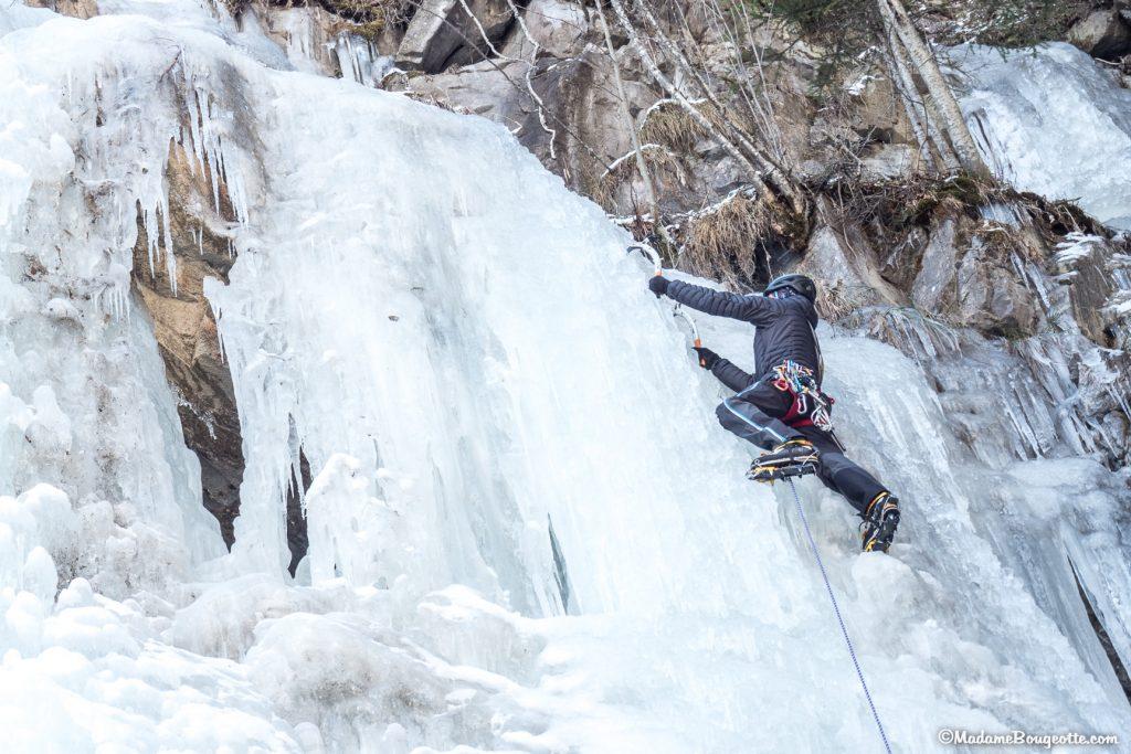 Cascade de glace - activité insolite station de ski
